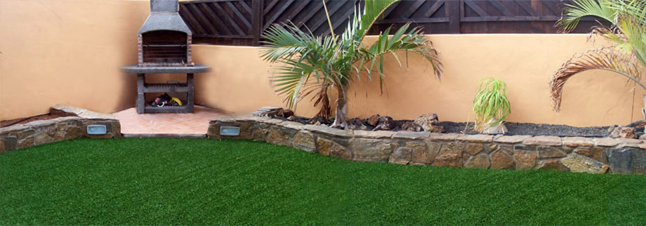 Villa garden with private pool and BBQ in Fuerteventura
