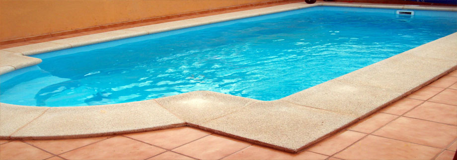 Heated private pool in our villa rental - Fuerteventura