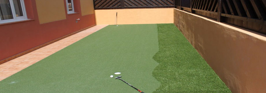 Private putting green in our villa's garden, Corralejo, Fuerteventura